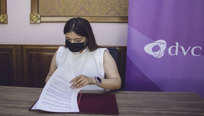 """""""Davam""""la Milli Debat Proqramı arasında memorandum imzalanıb"""