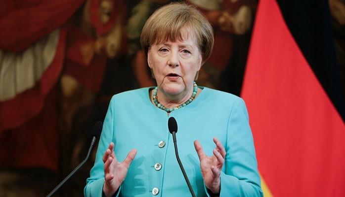 Almaniya kansleri Angela Merkel Bakıya gəldi