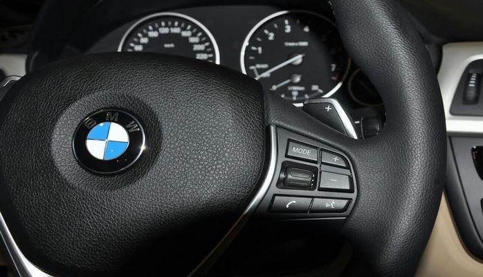 """""""BMW"""" 12 minə yaxın dizel mühərrikli avtomobili geri çağırıb"""