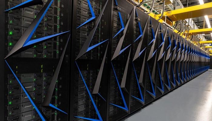 Dünyanın En Güçlü Süper Bilgisayarı Koronavirüse Karşı Harekete Geçti!