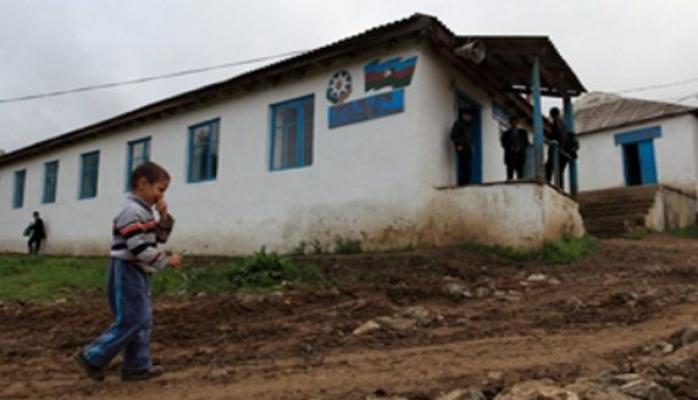 В школы для беженцев не примут детей из других семей