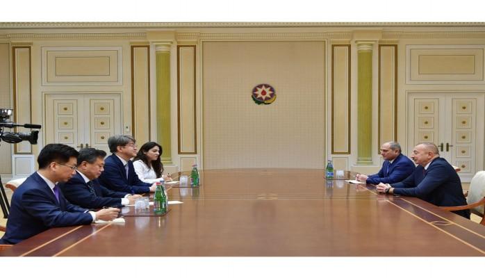 Президент Ильхам Алиев принял делегацию во главе с председателем Комитета статистики Кореи