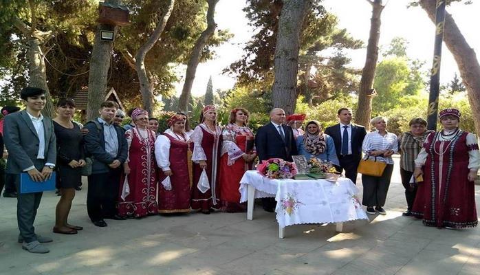 В Азербайджане отметили день рождения Сергея Есенина