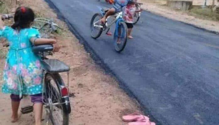 Эти дети впервые увидели асфальт, их реакция была уникальной