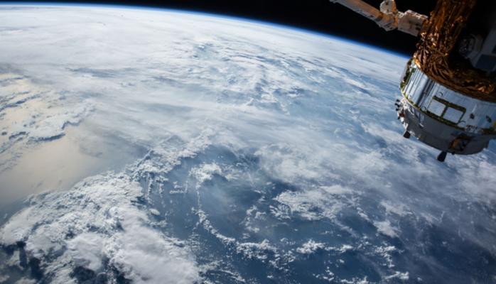 Блогеры запустили камеру в космос