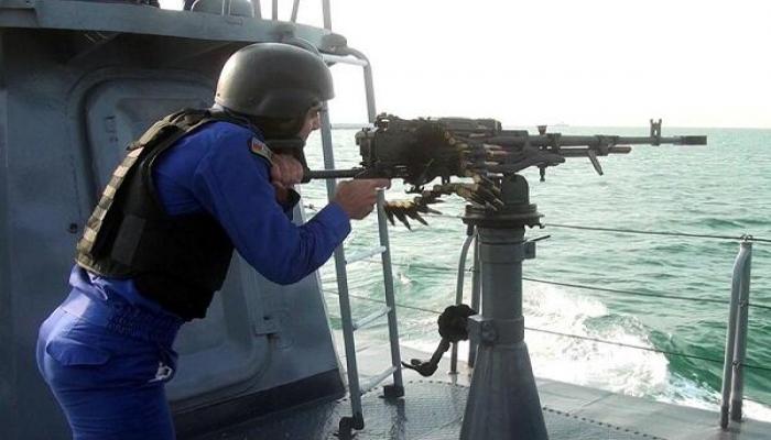 Hərbi dənizçilər artilleriya atışlarını yerinə yetirdi