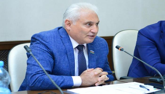 """Deputat: """"Azərbaycanda köhnə məmur tipinin mövcud olması əsla mümkün deyil"""""""