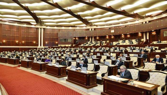 Deputat Milli Məclisin xüsusi iclasının keçirilməsini təklif etdi