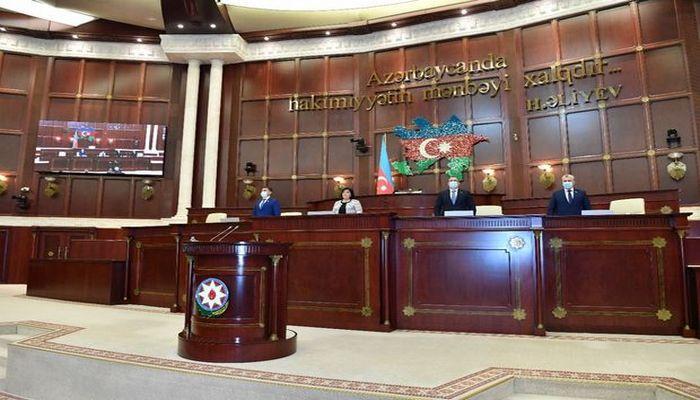 Deputatlar avqustun 5-də plenar iclasa toplanır
