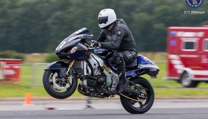 Dünya rekordu: motosiklin arxa təkərində 350km/s sürət