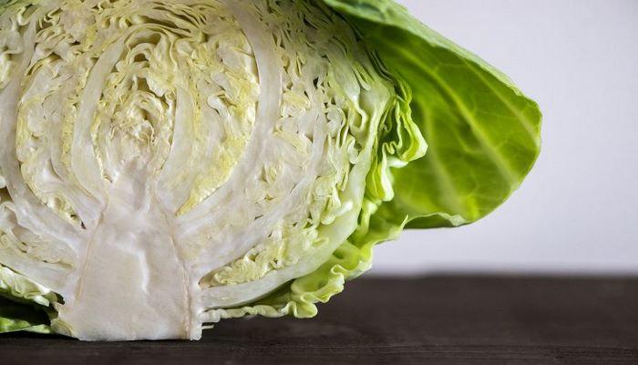 Диетологи перечислили продукты, которые необходимо включить в рацион питания осенью