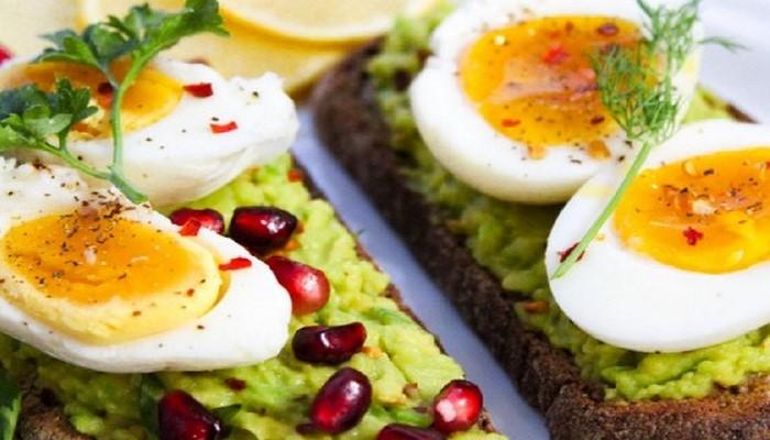 Диетологом перечислены лучшие продукты для завтрака