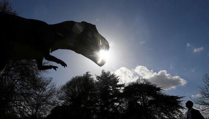 Dinozavrlar hələ də yaşayır? - Şok sübutlar