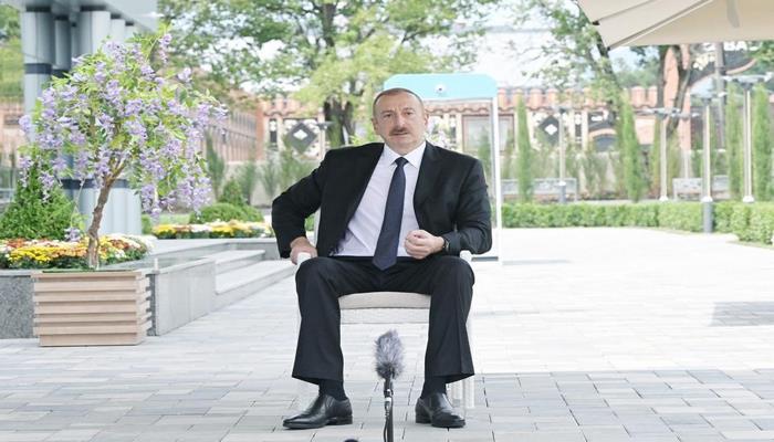 """Dövlət başçısı: """"Biz bu vəziyyətdən birgə səylərlə çıxmalıyıq"""""""