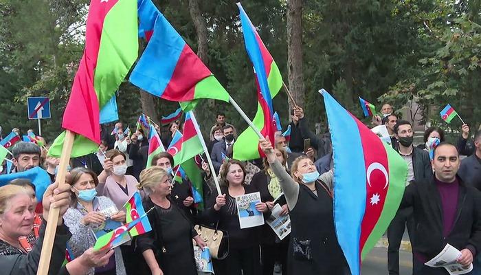 Döyüş iştirakçıları arasında təbliğat və təşviqat işləri davam edi