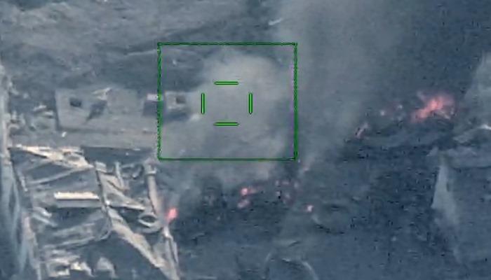 Düşmənin yanacaq-sürtkü materialları və döyüş sursatı anbarları aviasiya zərbələri ilə darmadağın edilib