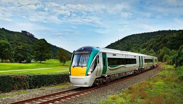 Tren yolculuğu sırasında doğan bebeğe 25 yaşına kadar ücretsiz tren bileti verildi