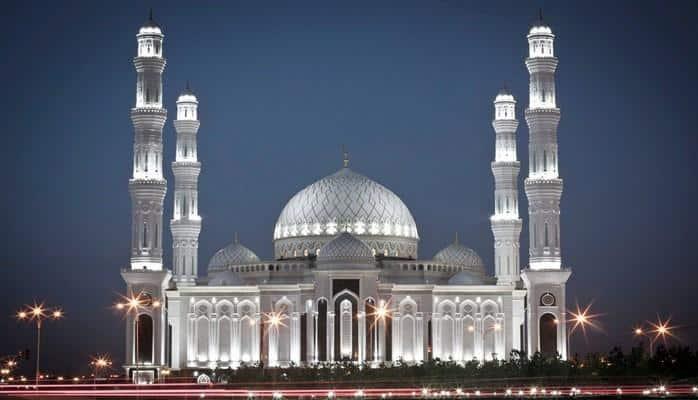В Казахстане проходит съезд лидеров мировых и традиционных религий