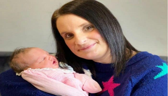 Britaniyada 45 yaşlı qadın 22-ci uşağını dünyaya gətirdi