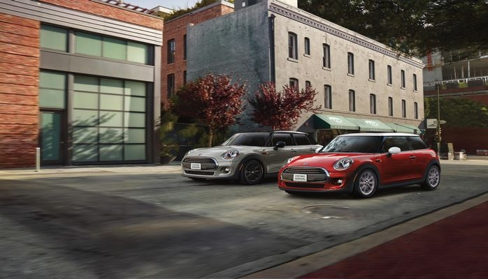 The Mini Oxford Edition is a cheap new car just for college students