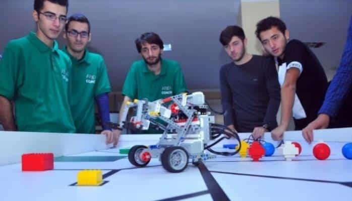 Azərbaycanda robotlar futbol oynayacaq