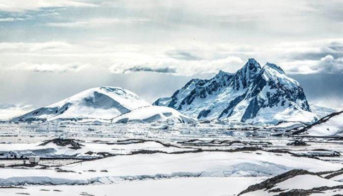 Antarktidada 315 milyard tonluq aysberq qopdu - Gəmilərə təhlükə var