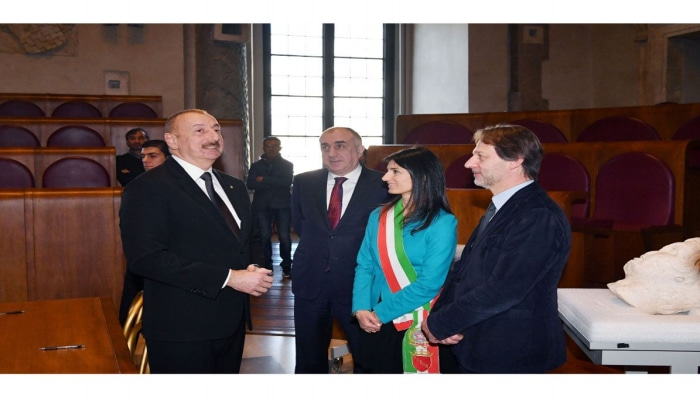 Президент Ильхам Алиев встретился с мэром города Рим (ФОТО)