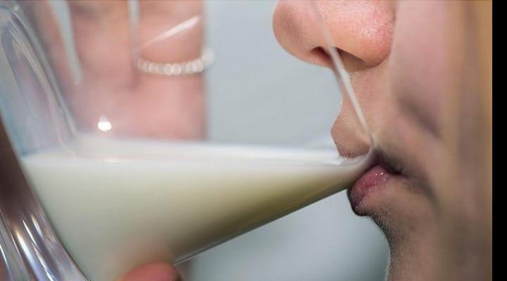 Американские ученые заявили о пользе употребления обезжиренного молока