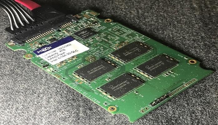 Прототип SSD на базе Intel 3D QLC NAND имеет объём 4 Тбайт