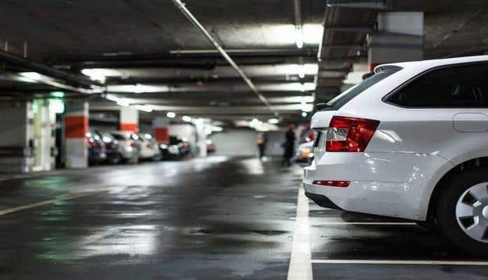 В Баку выросли цены на паркинг