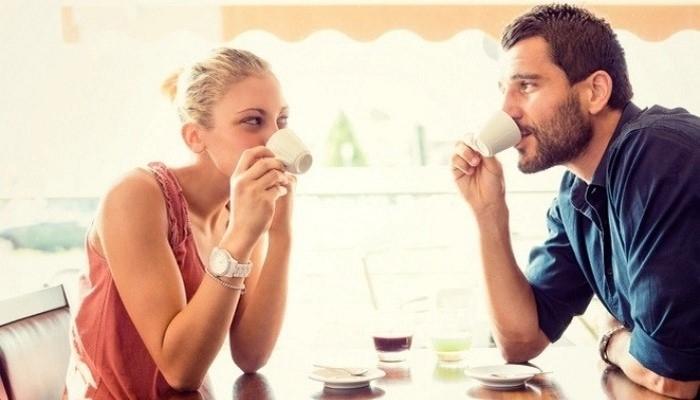 Karşınızdaki kişinin size aşık olduğunu gösteren 5 işaret