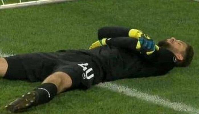 Вратарь-мусульманин нашел способ накормить команду во время матча в Рамадан