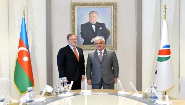 Президент SOCAR встретился с послом США