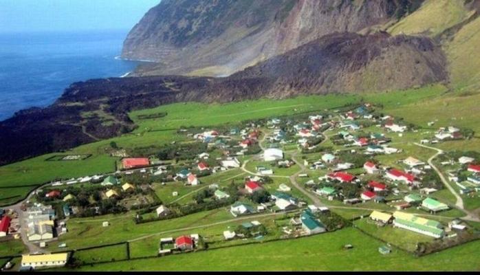Dünyanın ən ucqar yeri: Tristan da Cunha adası