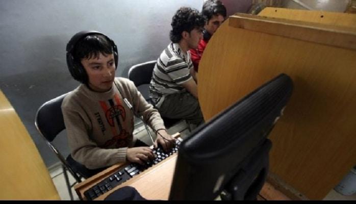 Uşaqların kompüter və internetdən istifadəsinə dair ekspertdən 5 məsləhət