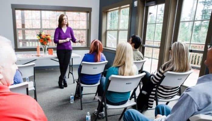 Психологи: люди меняют отношение друг к другу на основе своих мнений