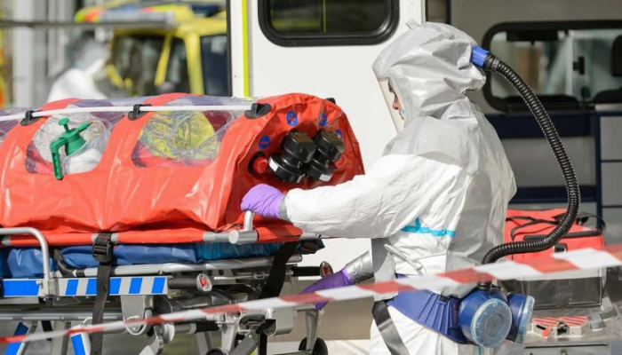 В Турции за сутки из-за коронавируса скончались 123 человека
