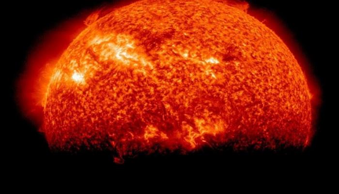 Günəşin yeni ləkəsi bütün elektron cihazlara təhlükədir