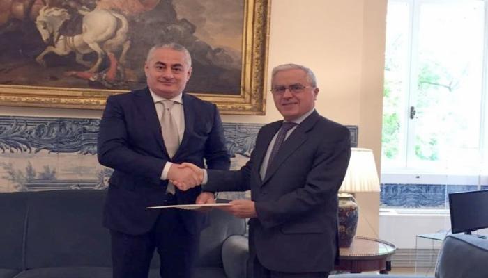 Посол Азербайджана вручил копии верительных грамот генеральному секретарю МИД Португалии