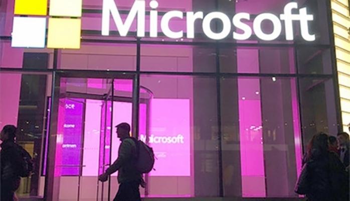 """Microsoft"" şirkəti ""Windows 10 Phone"" sisteminin uğursuzluğunu etiraf edib"