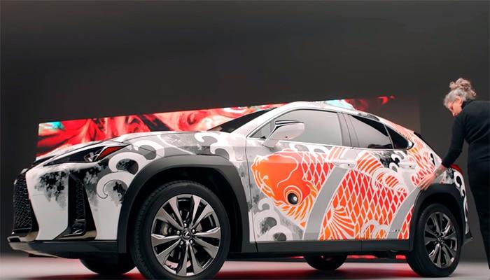 Lexus показал первую в мире татуированную машину