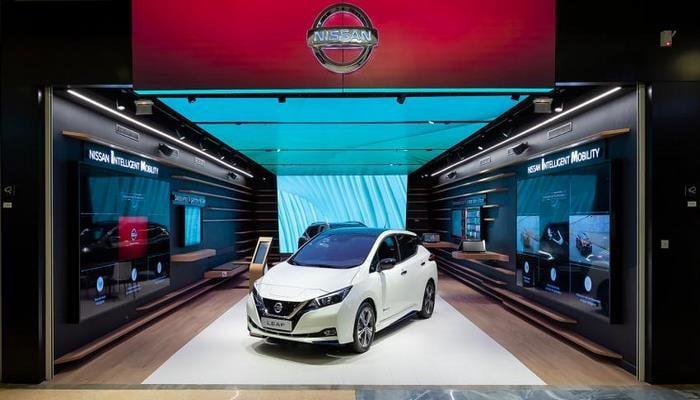 Компания Nissan открыла в Лондоне первый виртуальный шоу-рум City Hub