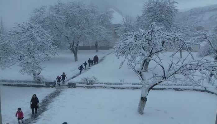Azərbaycana güclü qar yağır: 10 santimetrə çatdı