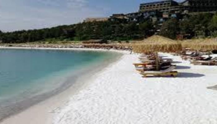 На пляжах Турции запретят курить сигареты и кальян