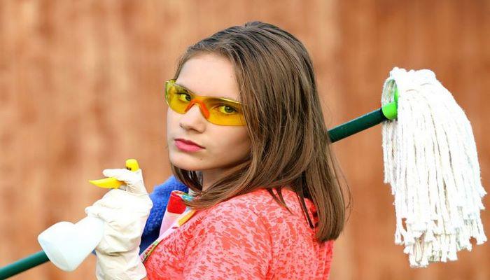 Ученые выяснили, что уборка делает нас счастливее