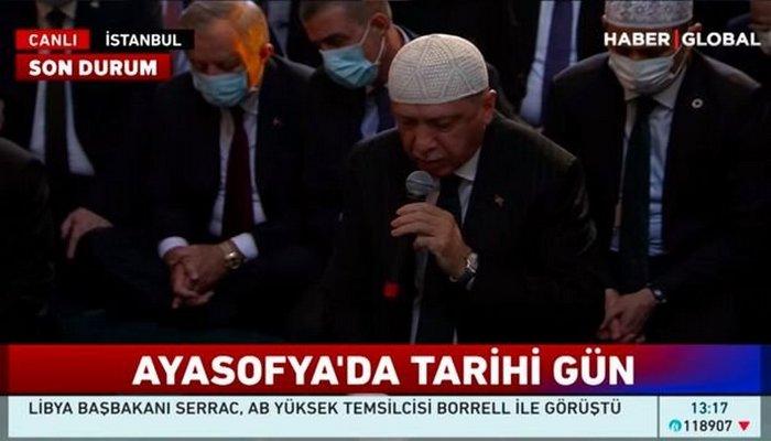 """Ərdoğan Aya Sofiyada """"Quran"""" oxudu"""
