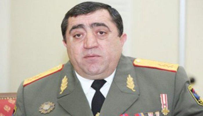 Erməni general da Paşinyanın istefası tələbinə qoşuldu