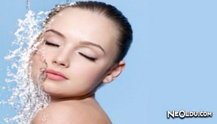 Evde Makyaj Temizleme Suyu Nasıl Yapılır?