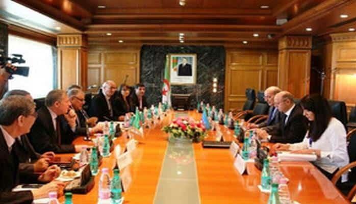 Министр Пярвиз Шахбазов пригласил алжирского коллегу посетить Азербайджан