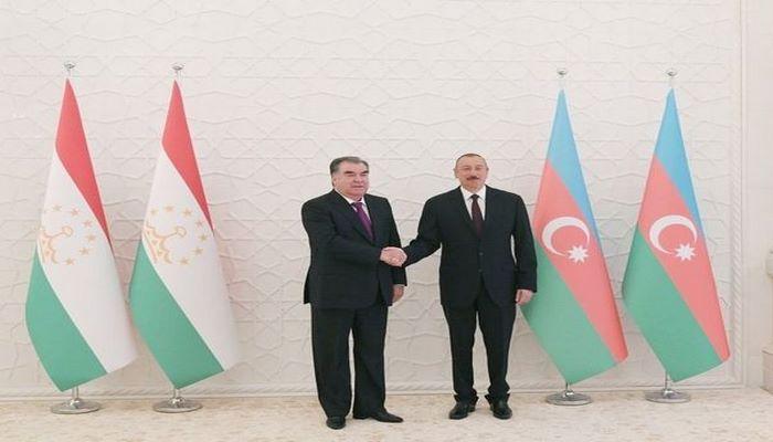 Tacikistan Prezidenti İlham Əliyevi Respublika Günü münasibətilə təbrik edib